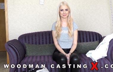 Roxy Risingstar – Hartes Casting (WoodmanCastingX)