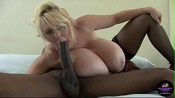 Kayla Kleevage Big Tit Interracial Anal Cream Pie Punkt 1